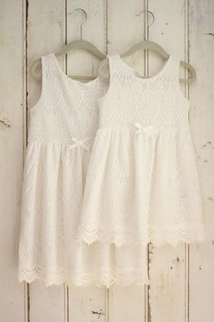 7歳3才女の子白ドレス